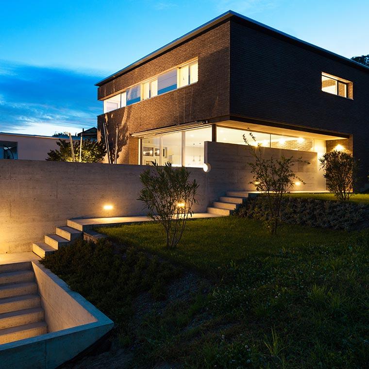 op lampen24nl bieden wij een breed assortiment aan buitenverlichting waaronder wandverlichting voor bij de voordeur grondspots tuinverlichting op